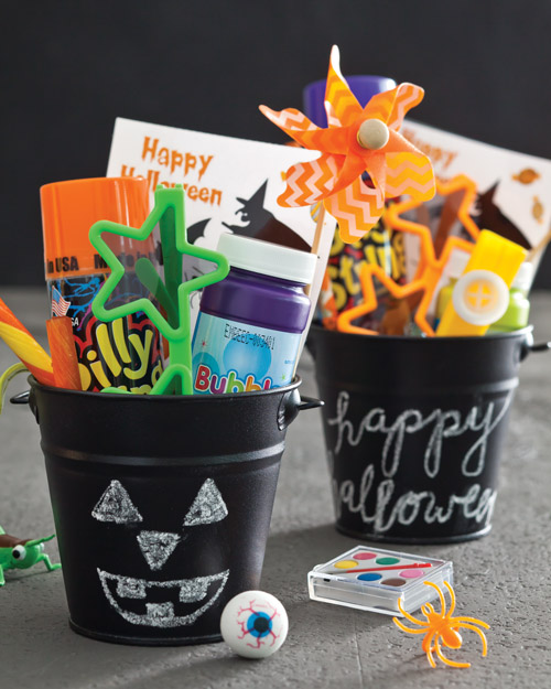 DIY Halloween Treats - Chalkboard Buckets with non-edible treats