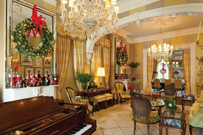Inspired christmas decor from a new orleans home - New orleans home decor stores property ...