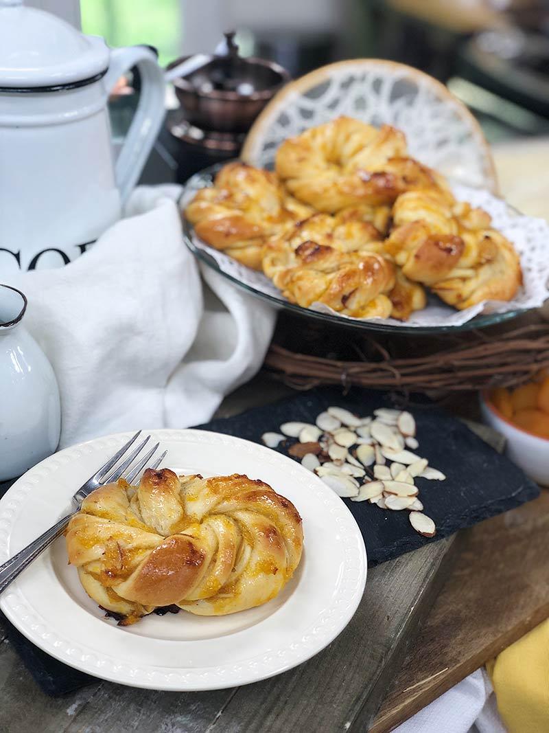 apricot sweet buns