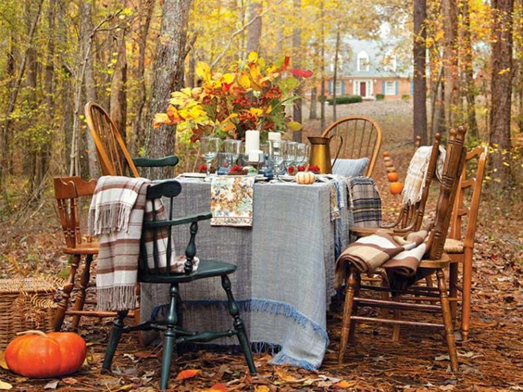 Thanksgiving outdoor table setting