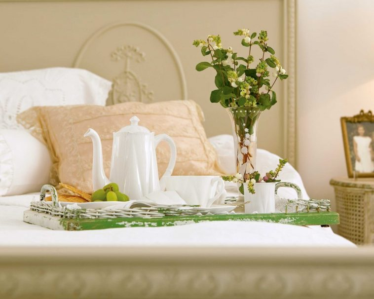 white and green hospitality tray